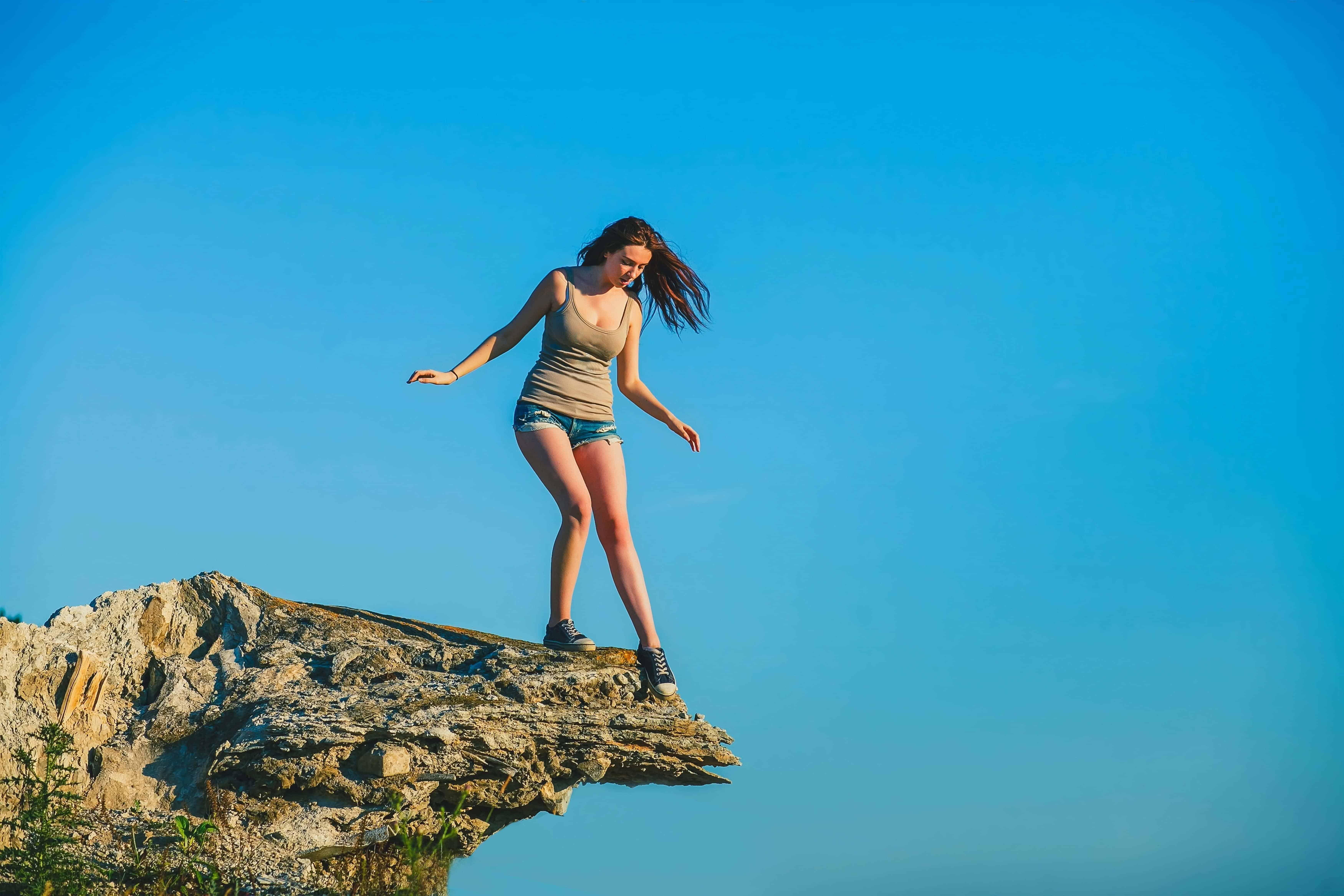 Die Angst vor der Höhe ist natürlich, aber diese Angst kann Dein Leben massiv einschränken | Hypnose hilft gegen Höhenangst